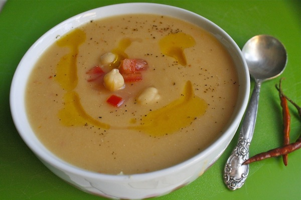 Spicy Cream of Garbanzo Soup and GIVEAWAY!!!! -