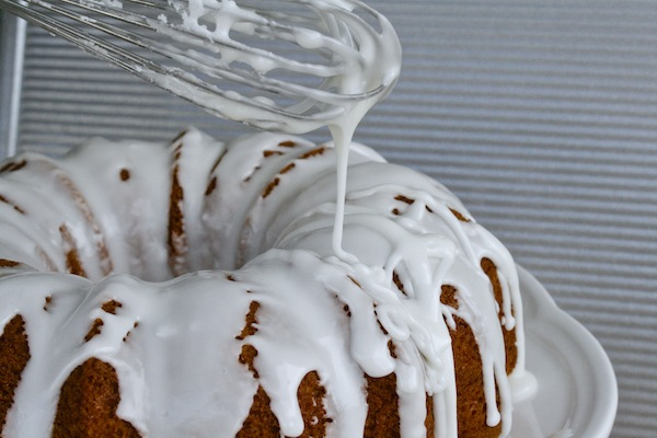 Drizzle-icing-jarritos-cake