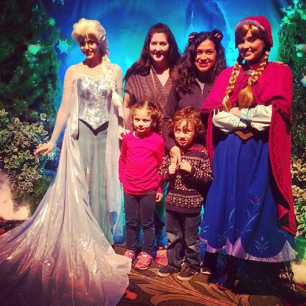Anna and Elsa photo disneyland