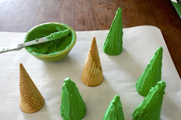 Make trees out of sugar cones and green royal icing.