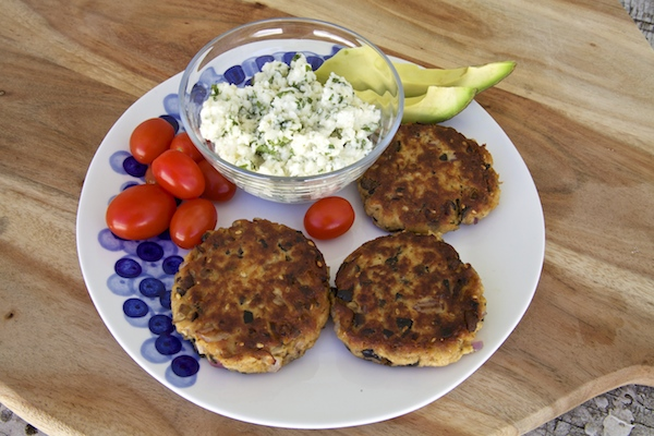 These delicious tuna cakes are great during lent, for a simple and fresh meal pair with veggies.