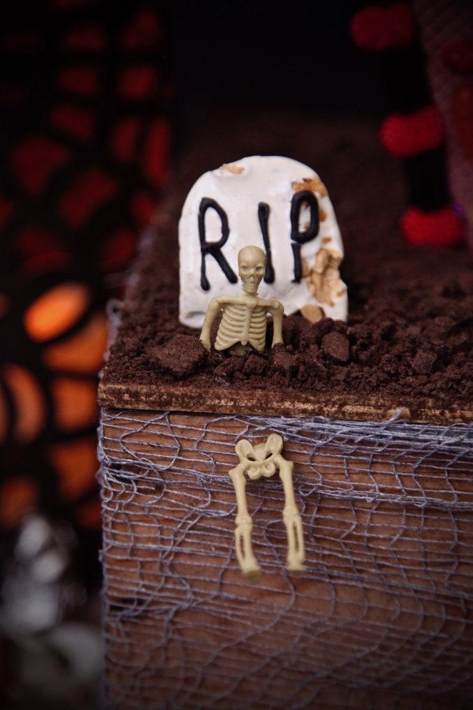 graveyard cookie