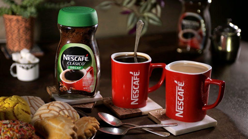 Warm Nescafé Clásico served warm ready for Sobremesa.