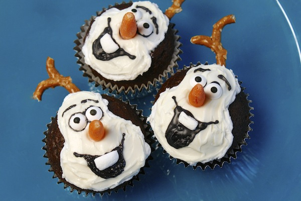 "Disney's ""Frozen"" Meets ""World Of Color – Winter Dreams"" Meets ""Olaf"" Cupcakes"