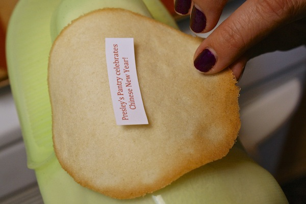 fortune-in-middle-of-cookie