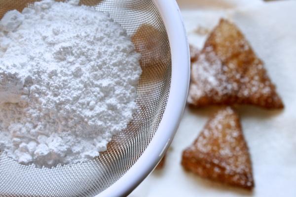 powdered-sugar-beignets