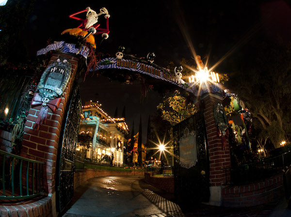 Haunted Mansion Holiday9_10_DL_044112