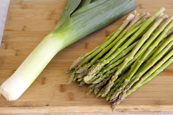 The star ingredients for asparagus leek soup