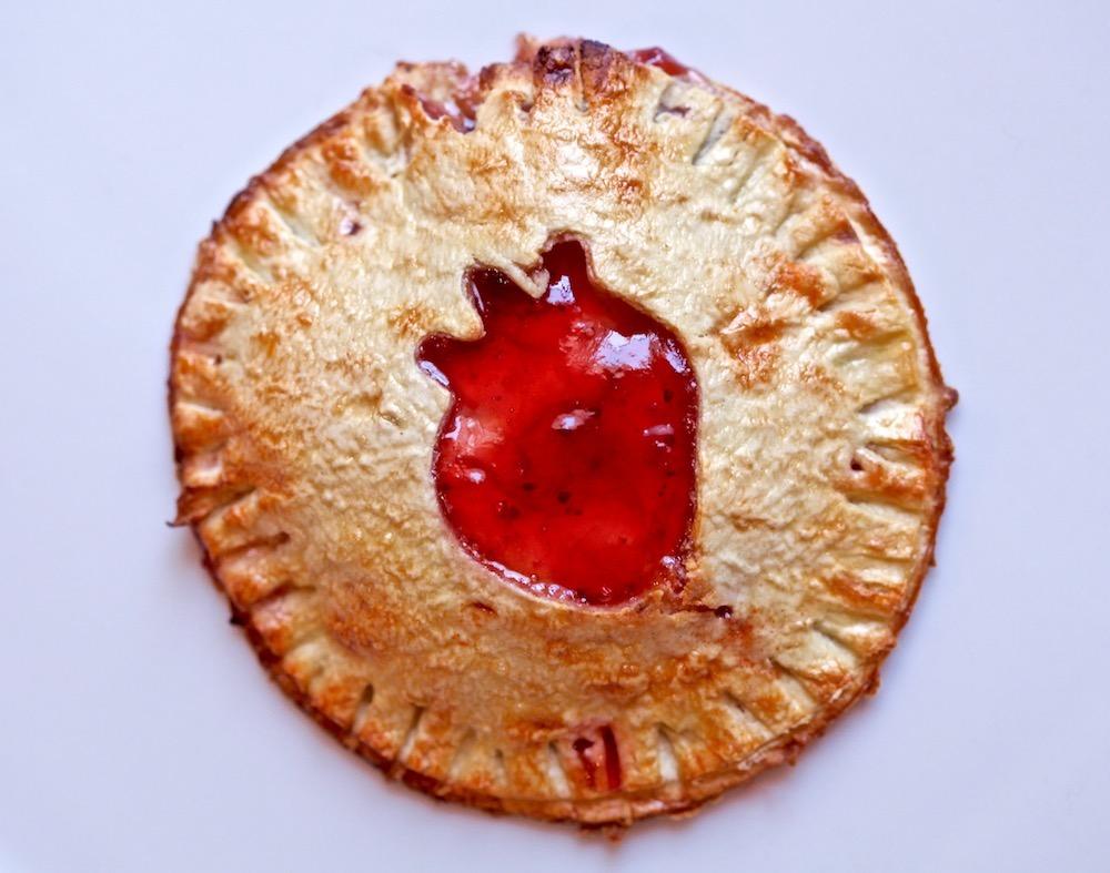 These delicious Strawberry Chipotle Cream Empanadas are made with Flatout Flatbread.