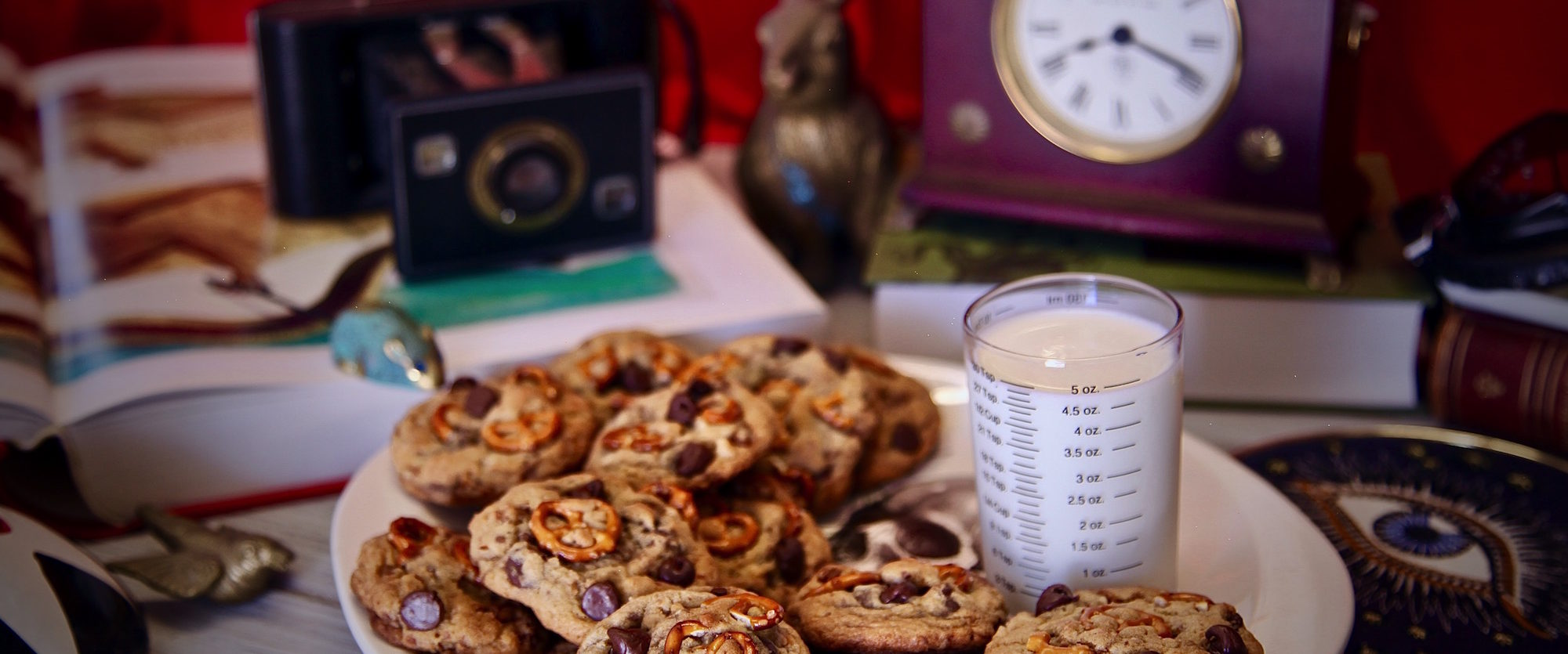 Chocolate Chip Pretzel Candied Pecan Cookies #HouseWithAClock