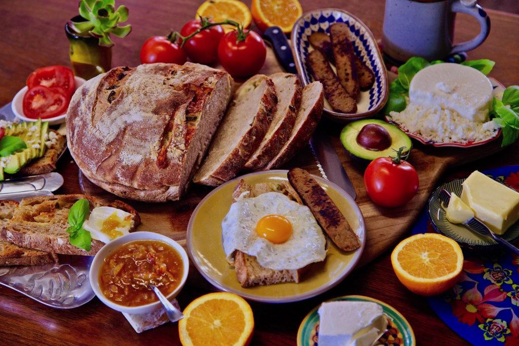 This fall indulge in a glorious vegetarian breakfast toast bar ala Presley's Pantry.