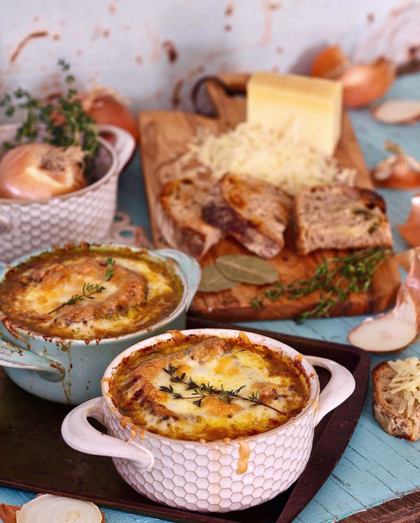 Vegetarians can have it all with this meatless version of French Onion Soup.