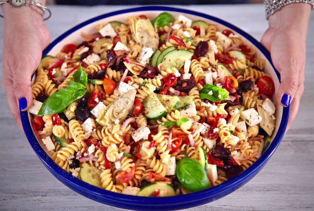 Mediterranean Rotini Pasta Salad is perfect for SPRING!