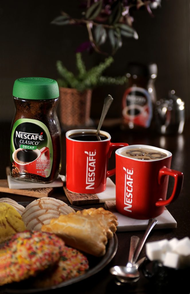 NESCAFÉ® CLÁSICO™  decaf for evening bonding with the family.