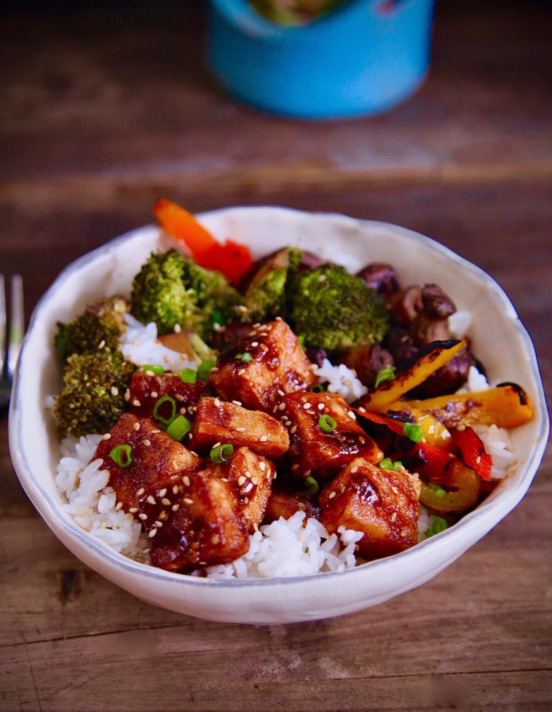 Crispy-Tofu-BBQ-Rice-Bowl-Vegan