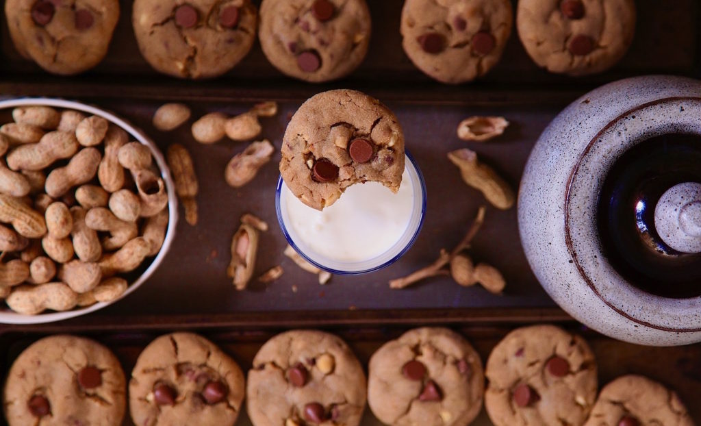 Peanut-Butter-Chocolate-Chip-Cookies-on-tray