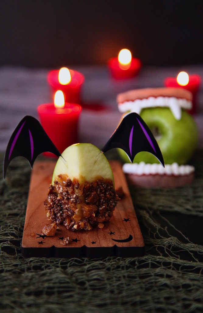 Caramel-Toffee-Apple-Vampire-Bites