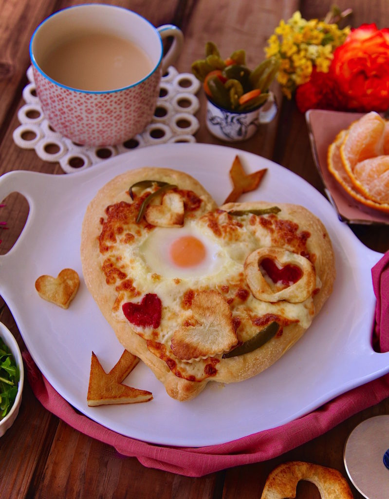 Cupids-Arrow-Breakfast-Pizza