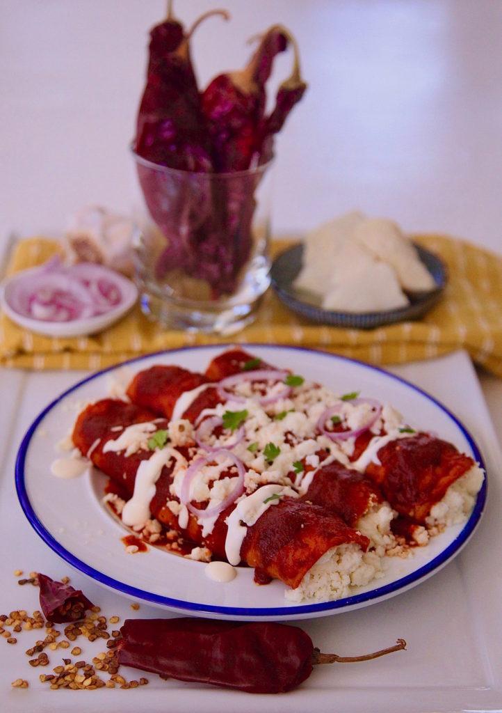 Enchiladas-Rojas-De-Queso