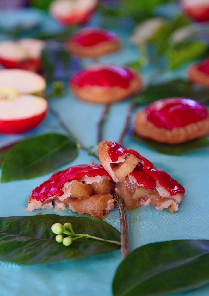 Mini-apple-pies-inside